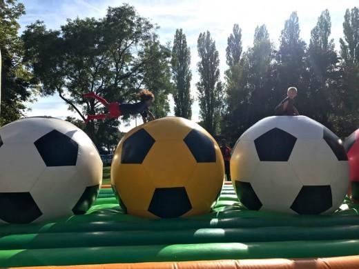 jeux gonflables ballons